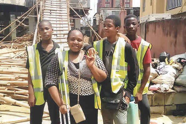 internship019ss6_picbg